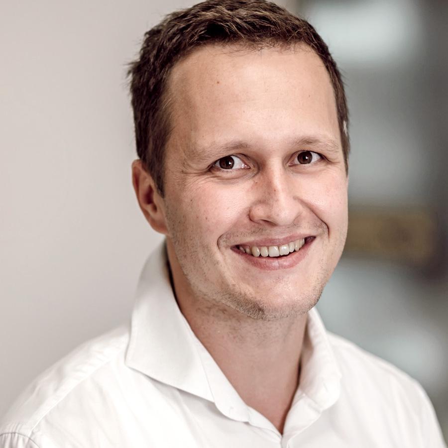 Dr. Florian Enger, Dr. Florian Enger